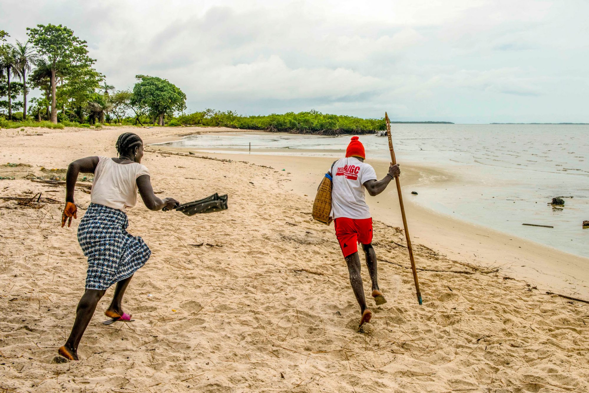 Matriarchal traditions determine everyday life on some of the Bijangos Islands. The women dominate to the point that even future warriors are afraid of them