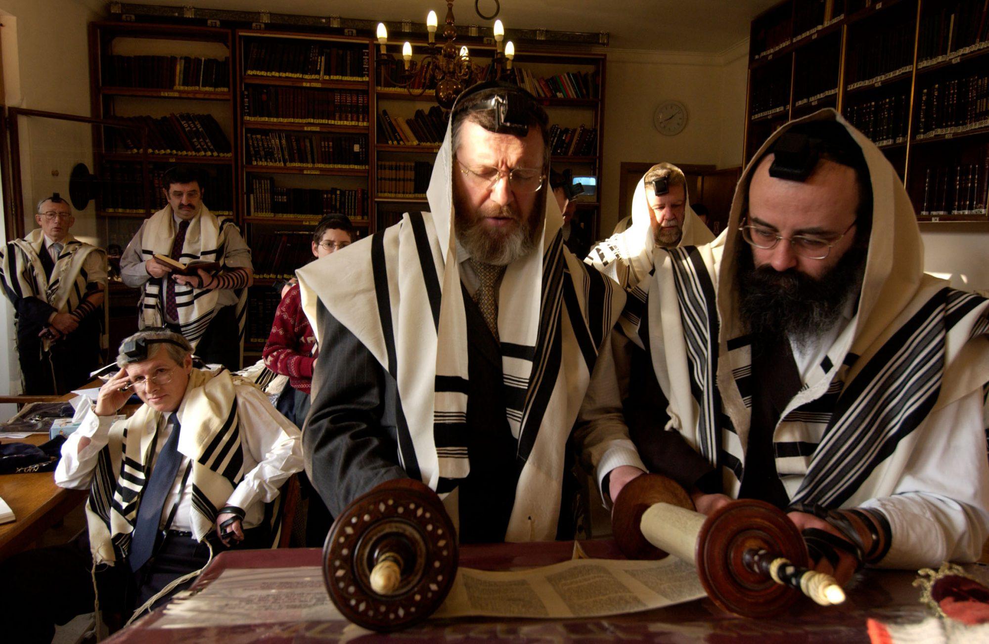 Judentum - Antwerpen - Belgien Morgengebet In Der Synagoge