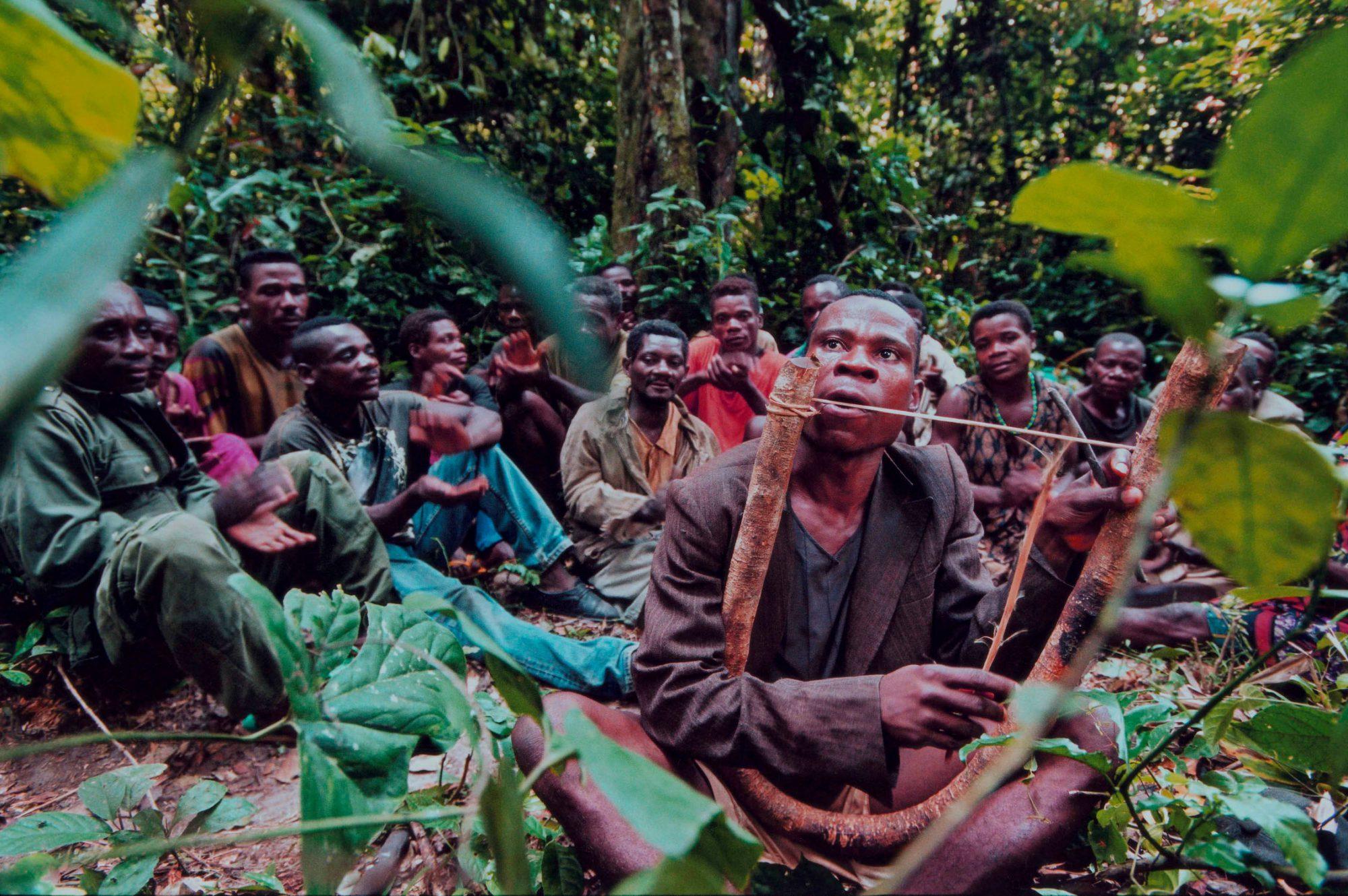 Pygmäen in der Zentralafrikanischen Republik im Jahr 2001